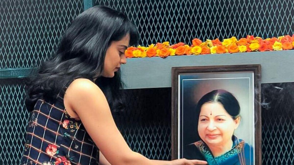 Kangana Pays Tribute to the Late Jayalalithaa on Death Anniversary