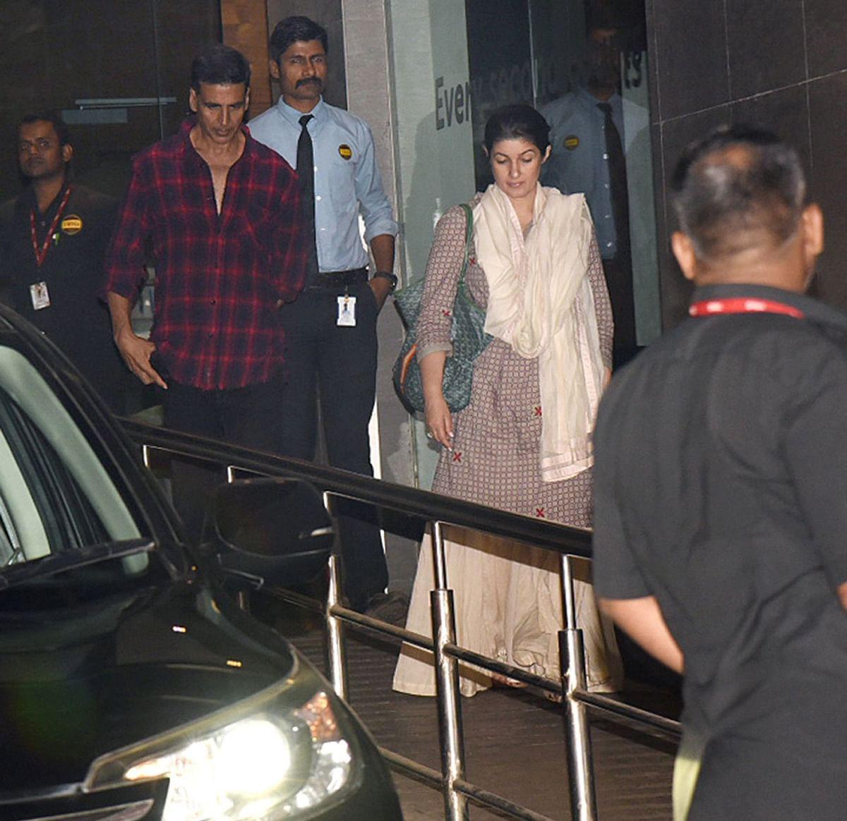 Akshay Kumar and Twinkle Khanna visit Betty Kapadia at Hinduja Hospital, Mumbai.
