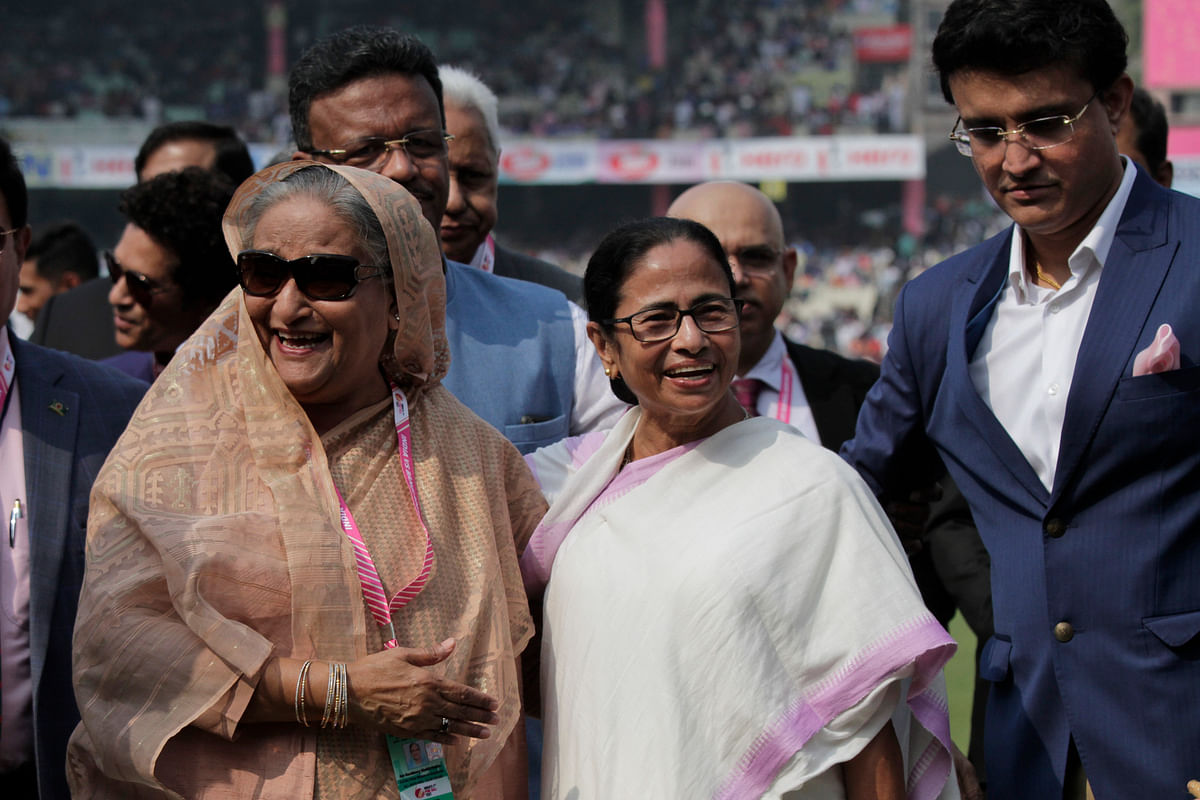 Sourav Ganguly introduced Seikh Hasina and Mamata Banerjee to the players ahead of India's first-ever day-night Test.