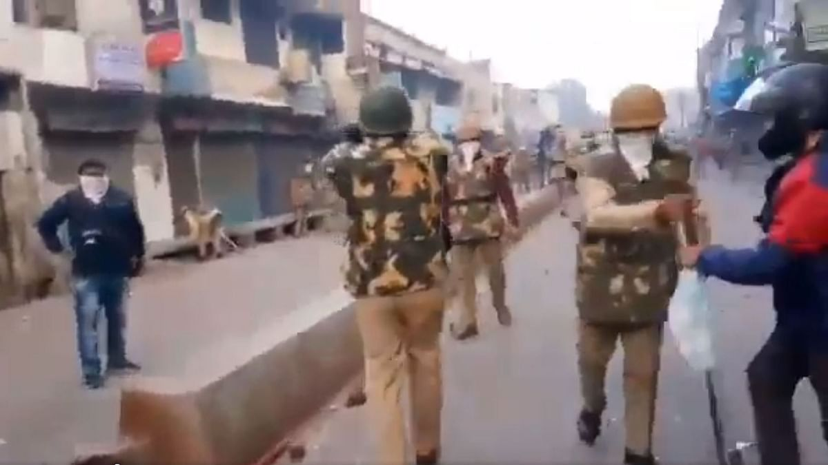 Anti-CAA Row: HC Asks UP Govt for Report on 'Police Atrocities'