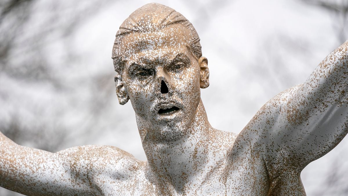 Nose Sawed Off Zlatan Ibrahimovic's Statue in Malmo