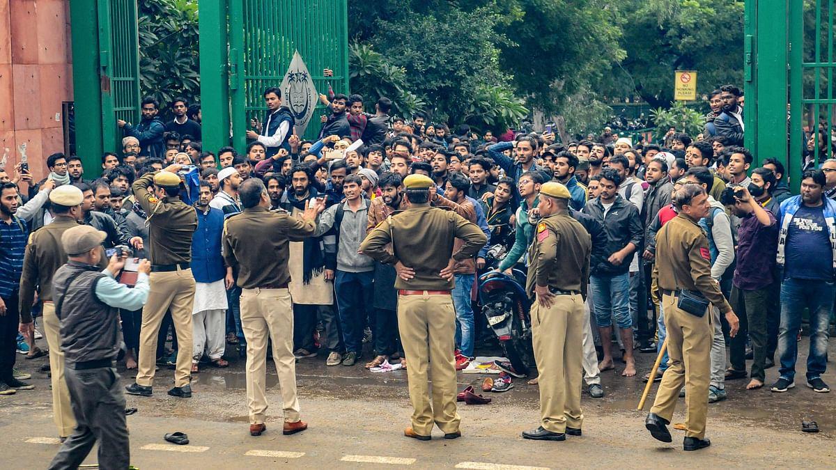Protests Erupt at Jamia, AMU Over Citizenship Act; Clashes Ensue