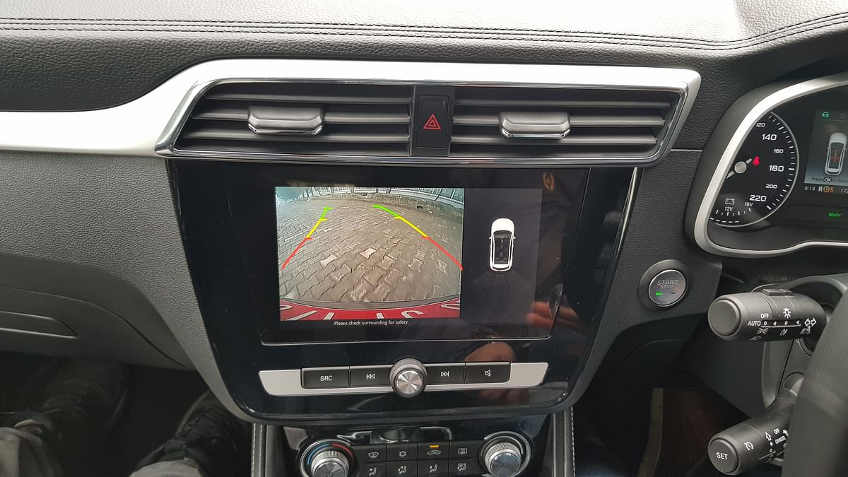 The MG ZS EV gets a conventional reverse camera.