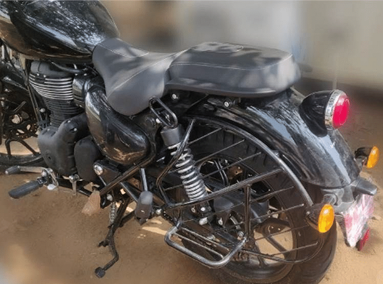 The rear of the Royal Enfield Thunderbird gets a completely different layout.