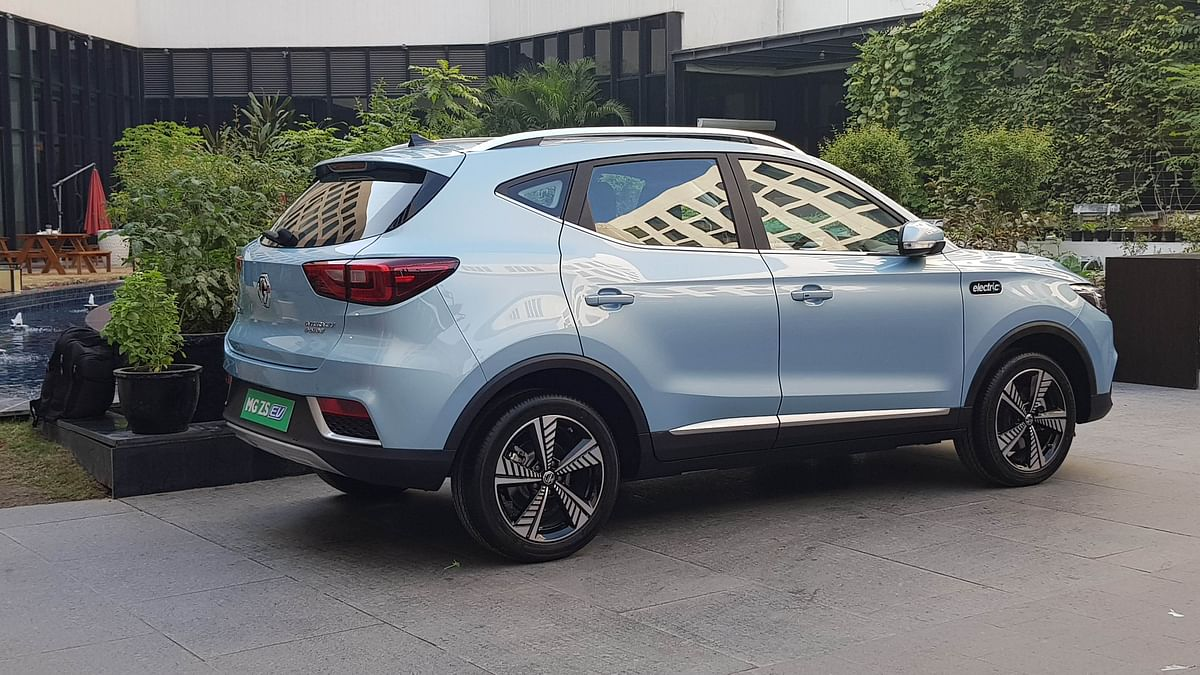The MG ZS EV runs on 17-inch windmill inspired alloy wheels.