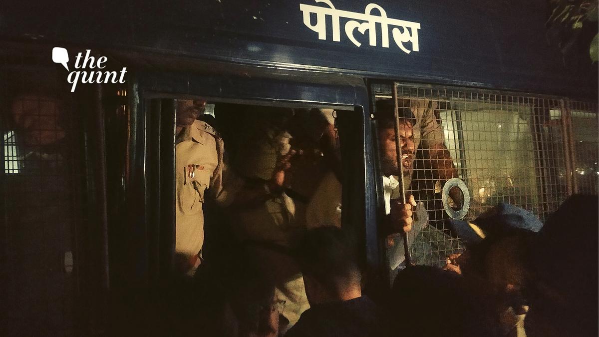 Mumbai Cops Halt Citizenship Act Protest, Disperse Protesters