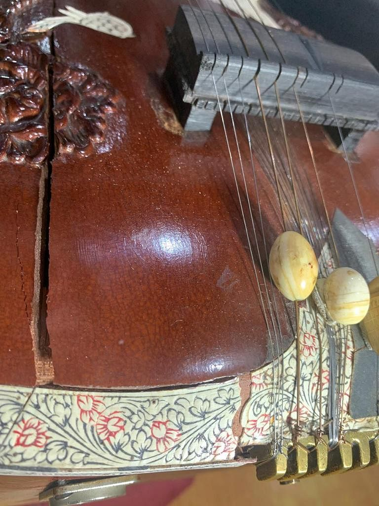 The crack in my sitar.