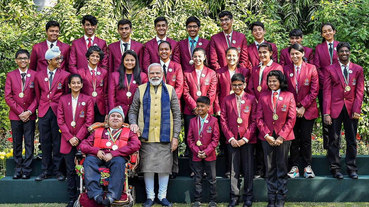 PM Narendra Modi in a group photograph with the awardees of Pradhan Mantri Rashtriya Bal Puraskar 2020 in New Delhi.