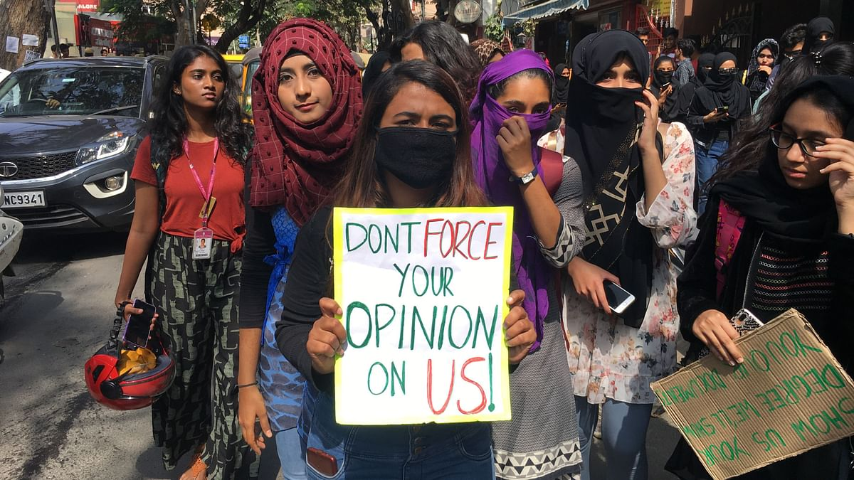 Students from several colleges participated in a silent protest in Koramangala on Thursday, 9 January, day after JNC college girls were heckled for not supporting CAA.