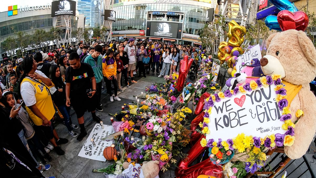 The NBA announced that it had postponed Tuesday's Lakers game against the Los Angeles Clipper in the wake of the tragedy.