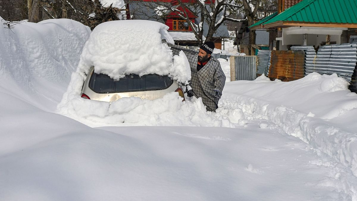 Fresh Landslides Hit Jammu-Srinagar NH, 7000 Vehicles Stranded