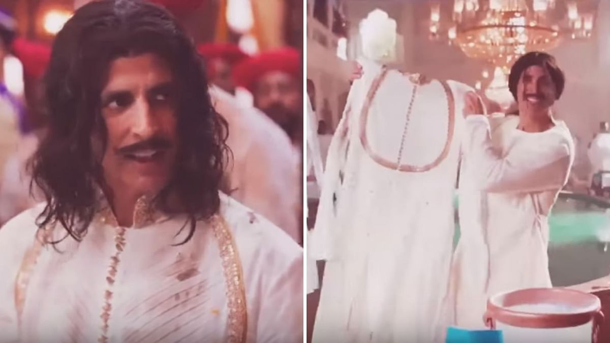 Akshay Kumar in a commercial for a detergent