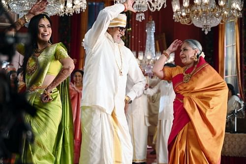 Big B, Jaya and Katrina dance together.