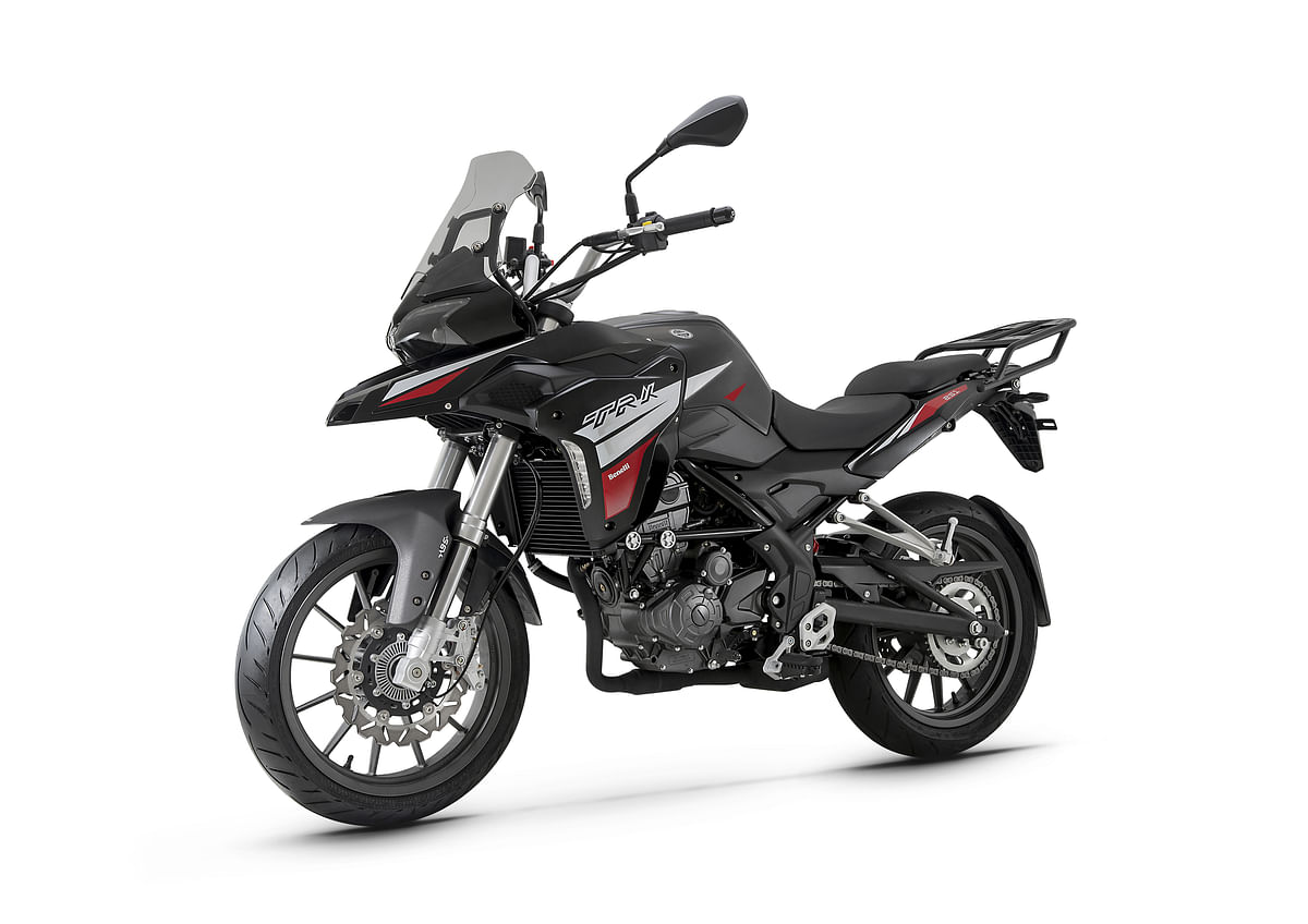 The Benelli TRK 251 comes with a single-cylinder engine.
