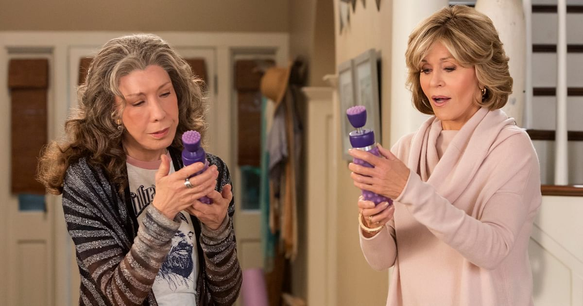 A still from <i>Grace and Frankie</i> holding the vibrator.