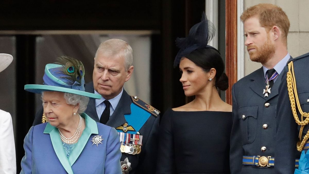 Queen Calls Crisis Meet With Harry, Meghan Over Their Future Roles
