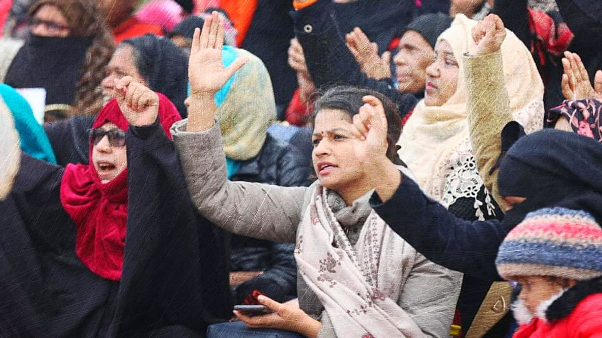 The protesters have claimed that the police seized blankets and food from the women protesting at the clock tower in Lucknow.