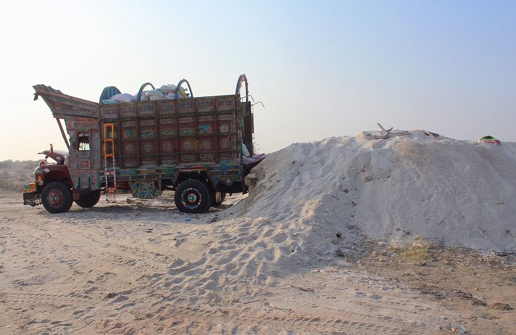 How the Salt Workers in Achro Thar Are Suffering Wounds Of Poverty