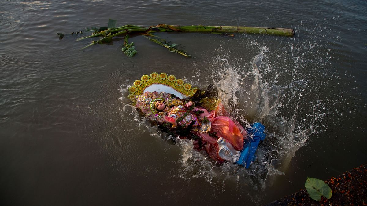 24,000 Idols Immersed in Delhi's Artificial Ponds: Govt Report