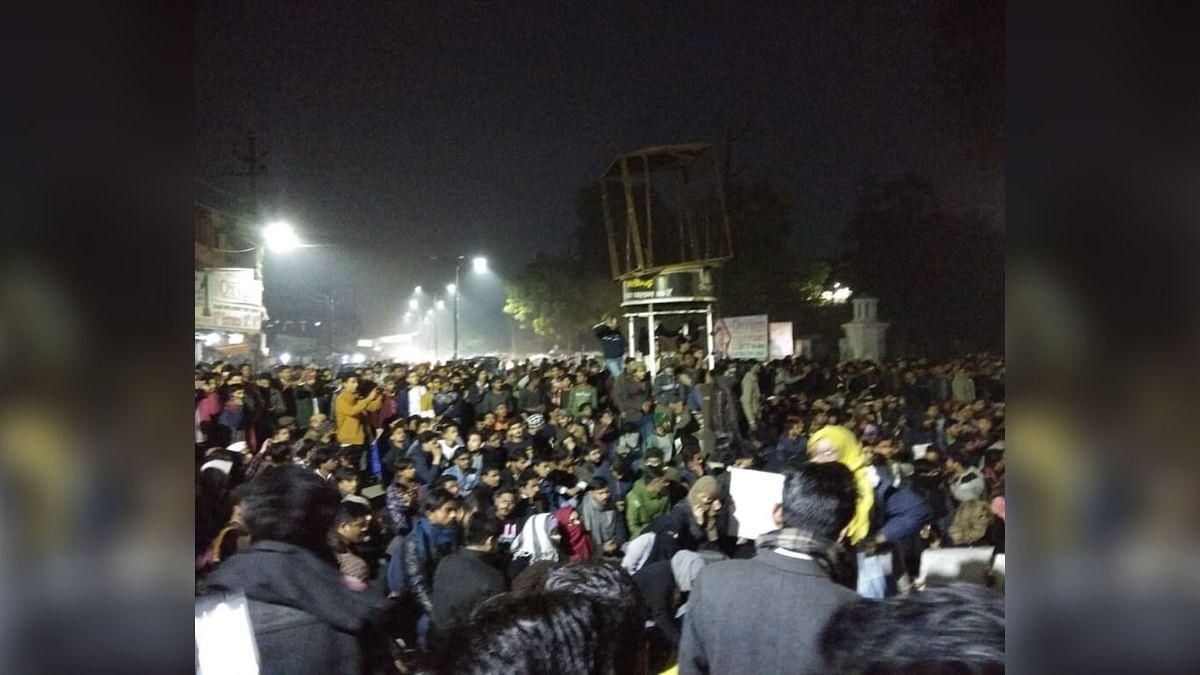 AMU Students Block Highway Demanding Release of Arrested Student
