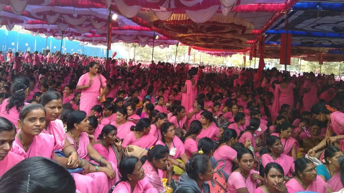 Thousands of ASHA workers marched to Freedom Park in Bengaluru on 3 January, demanding payment of wages allegedly delayed by 15 months.
