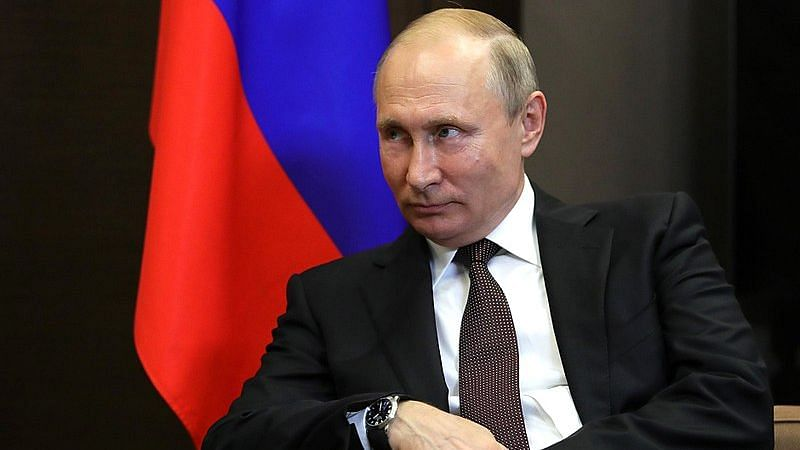 Putin Orders Mass COVID Vaccination in Russia From Next Week