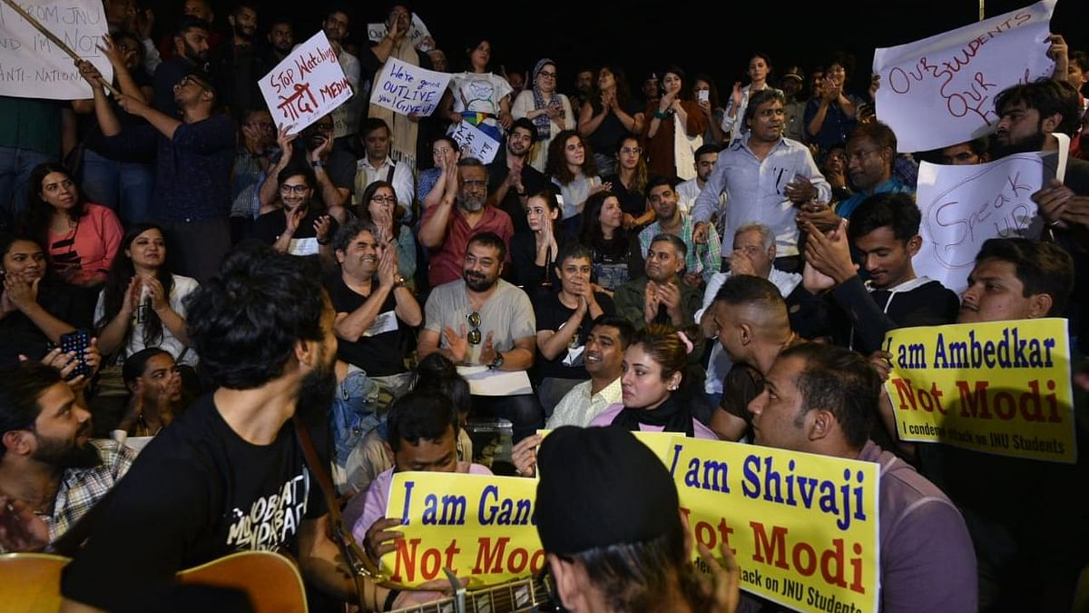 Bollywood Stands With JNU: Actors, Celebs Join Protests in Mumbai