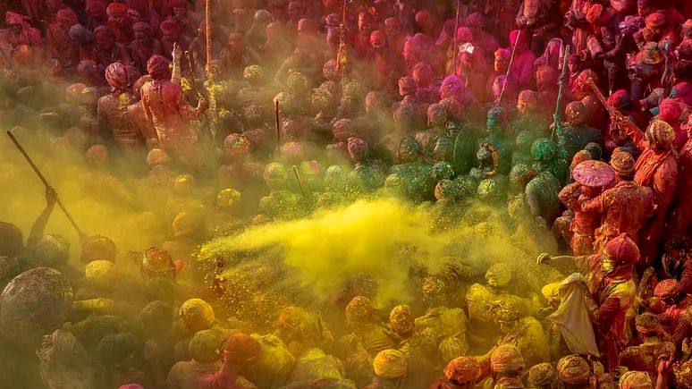 Holi 2020: Check Dates of Lathmar, Laddu and Dhulandi Holi Here
