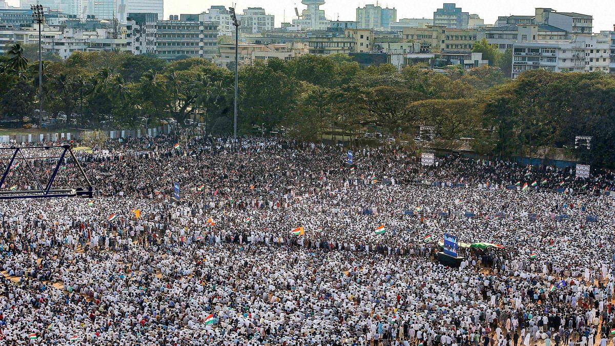 Massive Protest at Mumbai's Azad Maidan Warns Against Imminent NPR