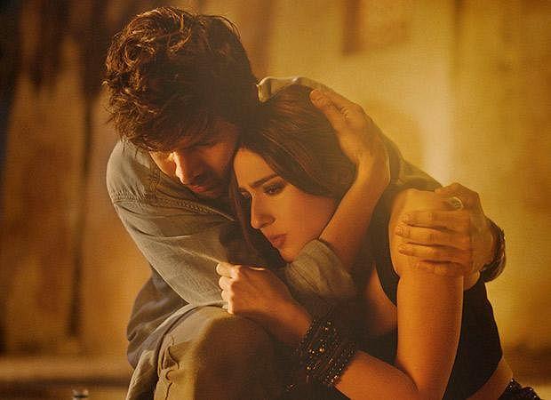 A still from <i>Love Aaj Kal</i>.