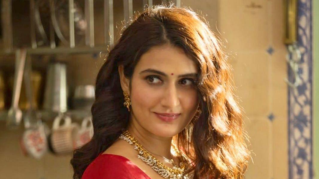 Fatima Sana Sheikh Reveals First Look From 'Suraj Pe Mangal Bhari'
