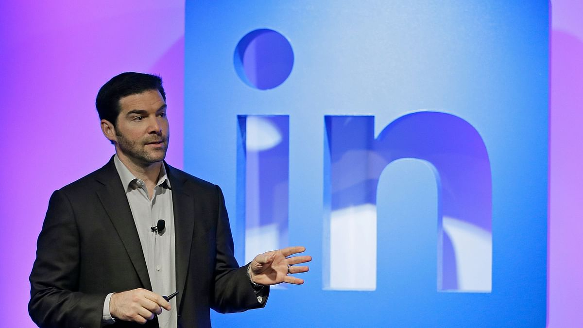 LinkedIn CEO Steps Aside After 11 Years, Says 'Time Is Right'