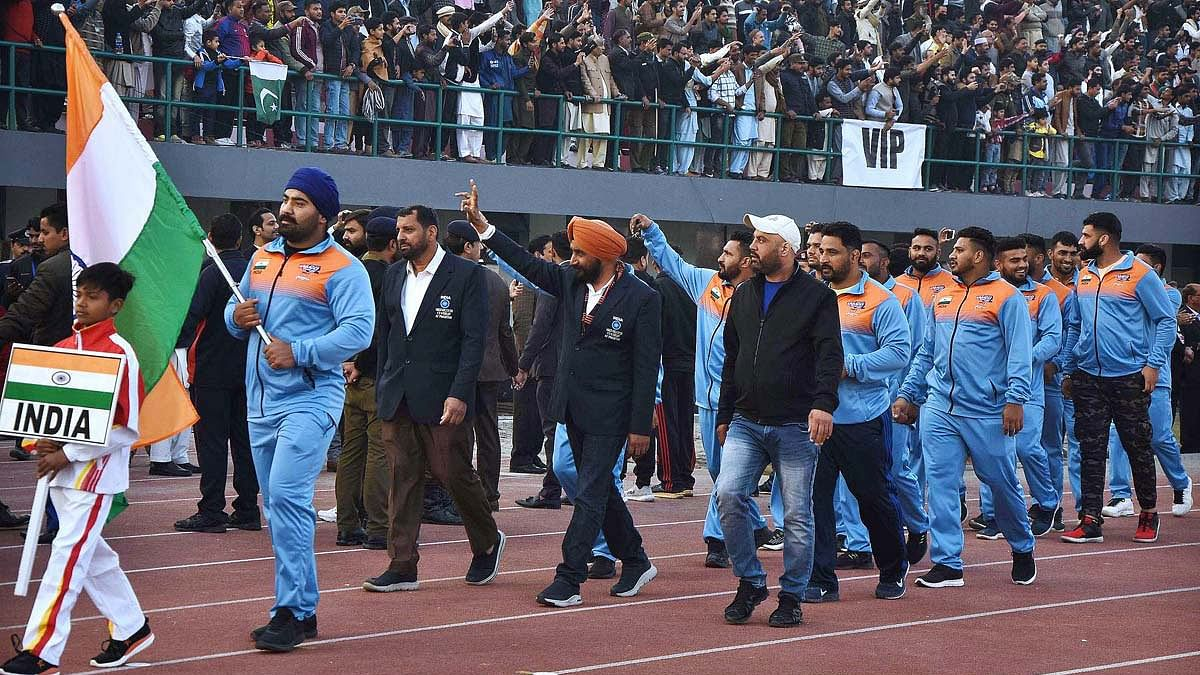 The 'unofficial' India team that went to Pakistan for the World Kabaddi championship has entered the semi-finals of the tournament.