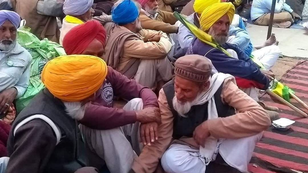Shaheen Bagh Embraces Sikh Farmers Who Were Detained Earlier