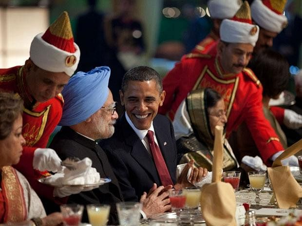 Former President Barrack Obama with former Prime Minister of India Manmohan Singh in November 2010.