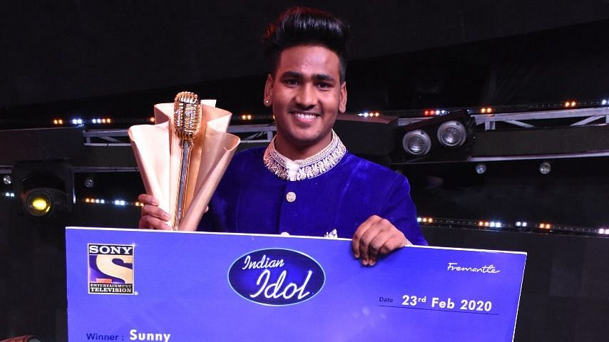 Sunny Hindustani being crowned as winner for the 11th season of <i>Indian Idol</i>