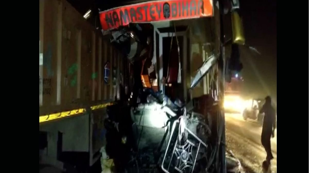 14 Killed, 25 Injured in Bus-Truck Collision in UP's Firozabad