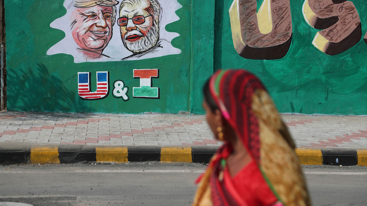 Graffiti painted on walls in Ahmedabad.