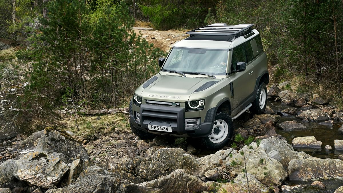 The Land Rover Defender will come in 3-door and 5-door forms.