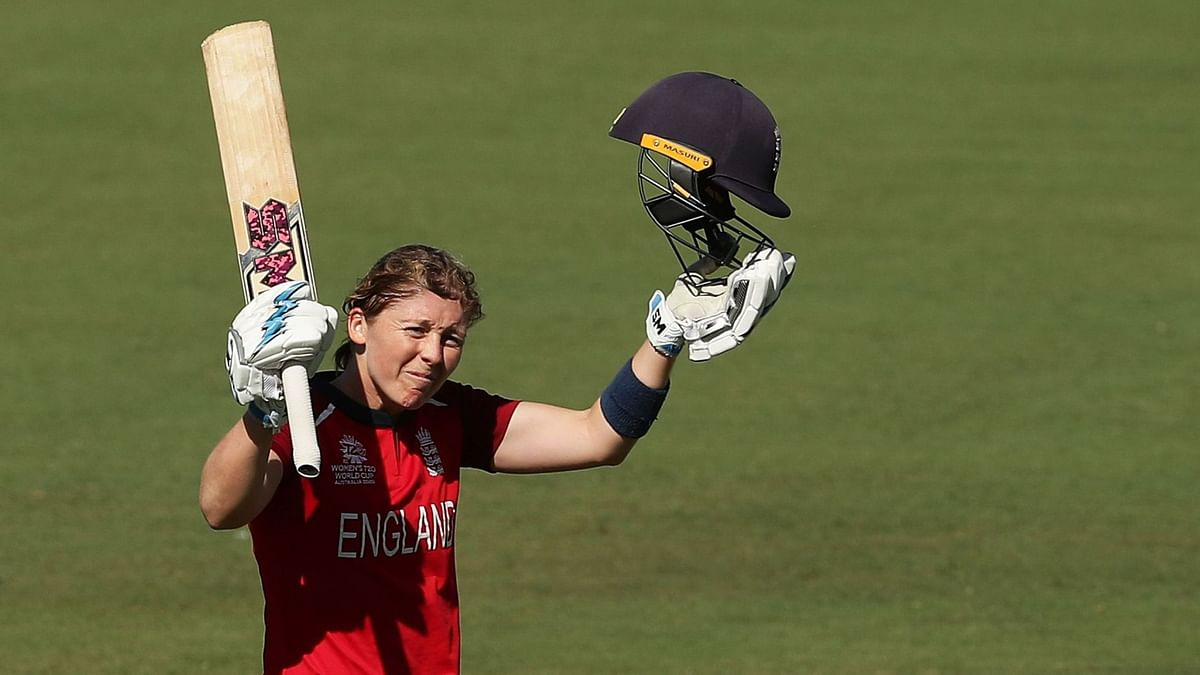 England Skipper Heather Knight celebrates a century.