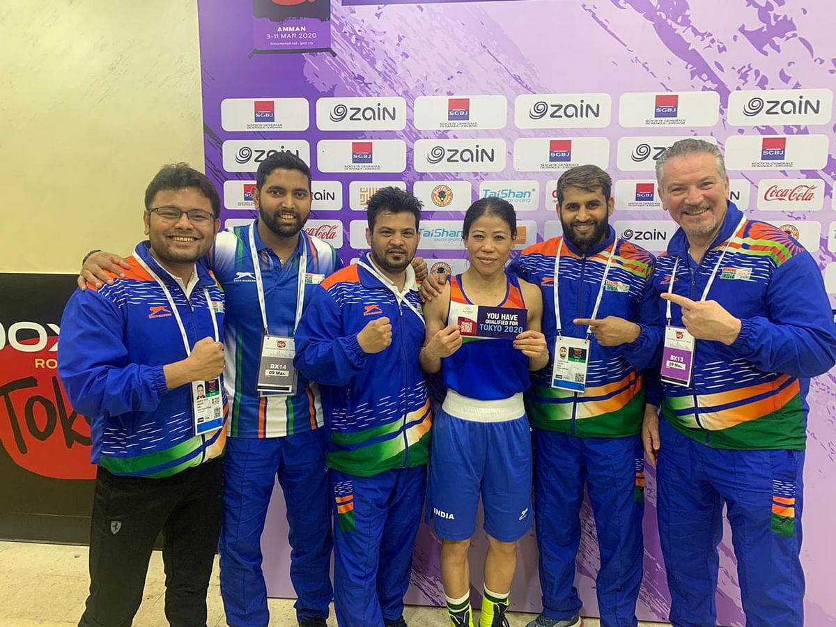 MC Mary Kom with the support staff of the Indian boxing team.