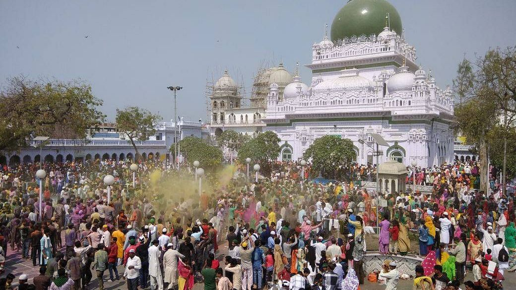 Holi Celebrations At UP Sufi Shrine Shines Out Amidst Polarisation