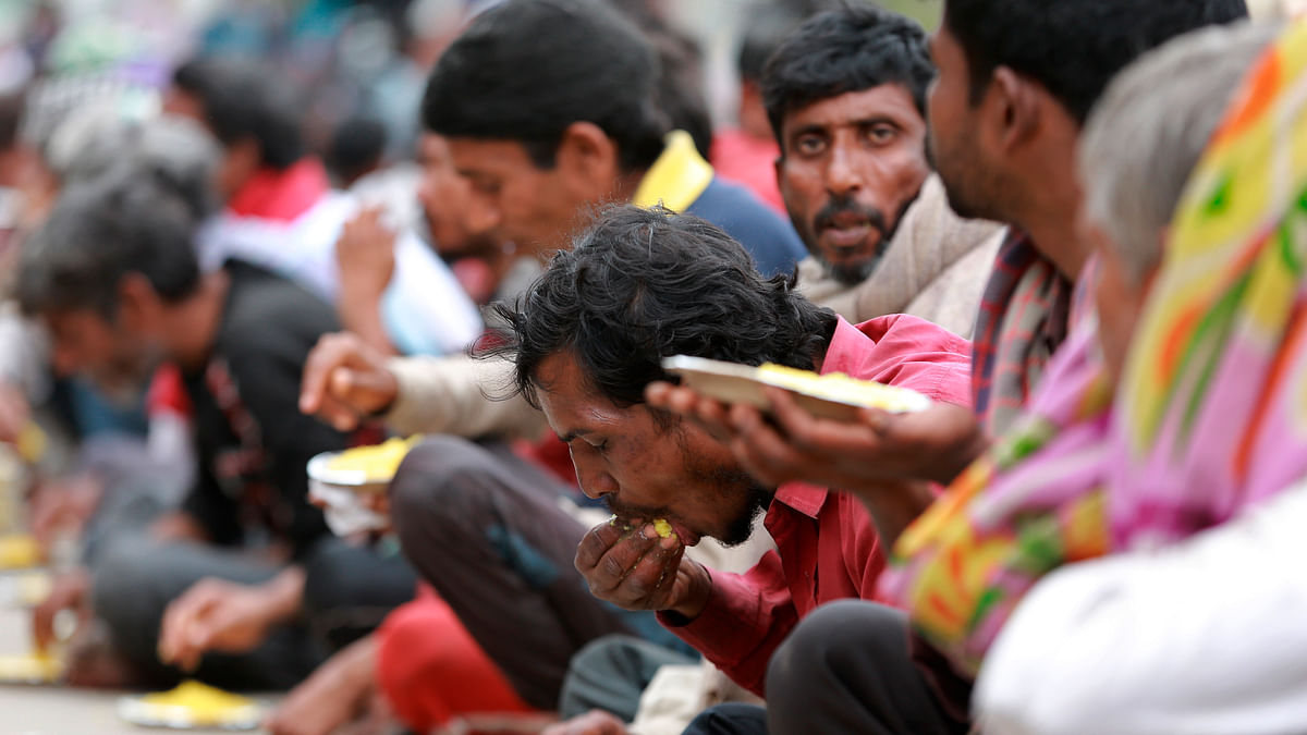 Abdul Khader spends eight thousand rupees per day to feed the migrants. Representational image.