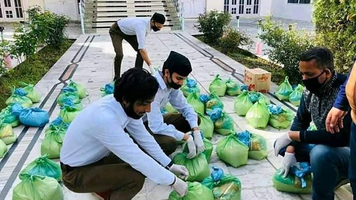 Food Kits, Hand-Wash Units: Political Leaders & Aides Help Out