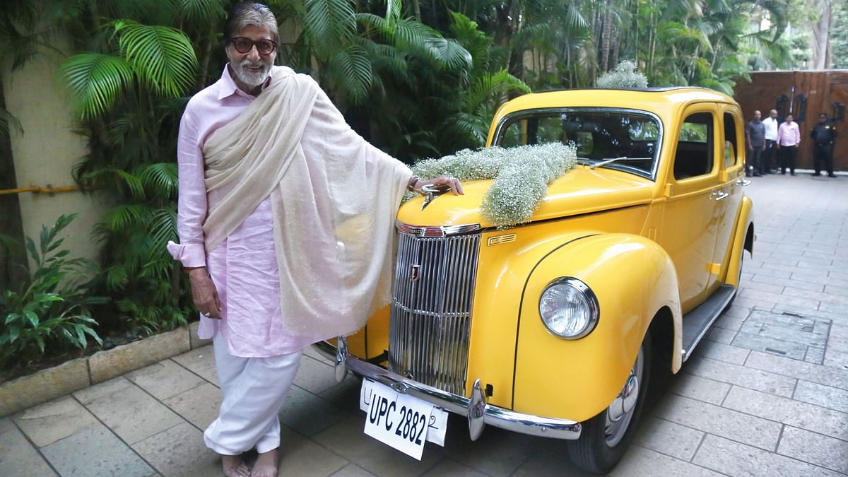 Am Speechless: Amitabh on Being Gifted a Vintage Ford Car