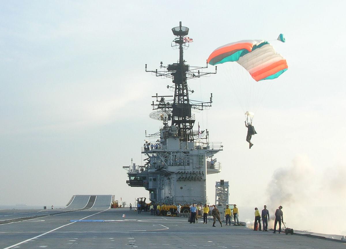 Rashmi making a perfect landing on the aircraft carrier 'INS Viraat'