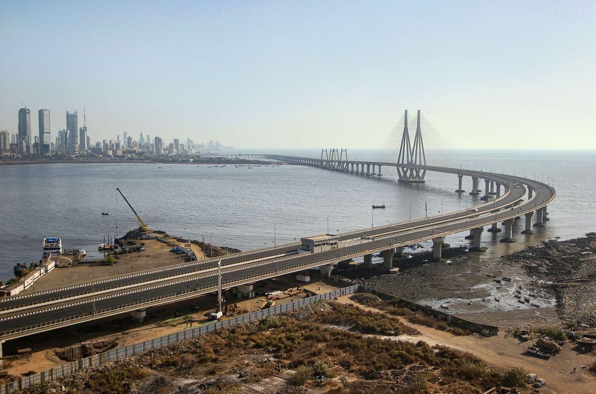 Mumbai: A deserted view of Worli sea-link.