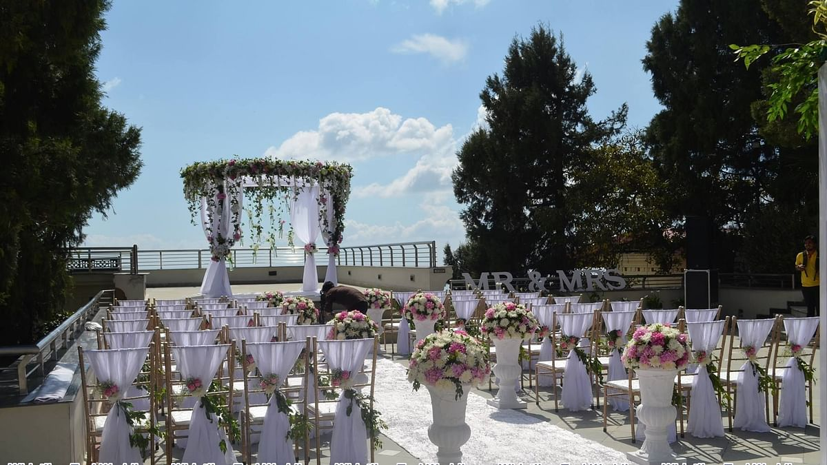 COVID-19: Wedding Planners Consider Changing Cancellation Policies