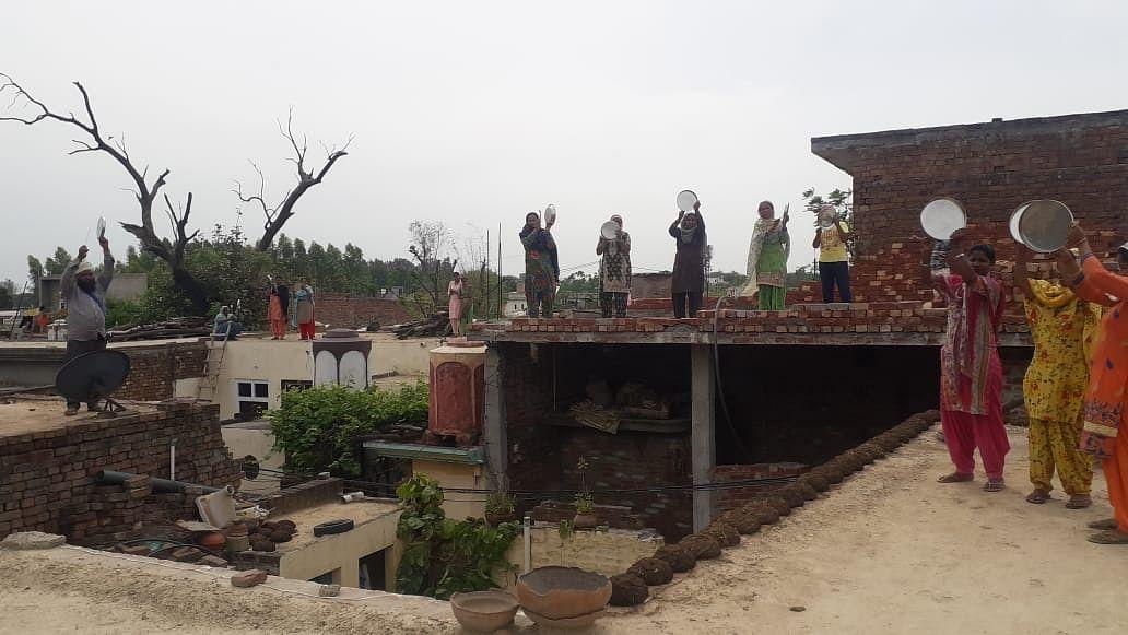 Hungry & Desperate, Patiala MGNREGA Workers Bang Plates for Food