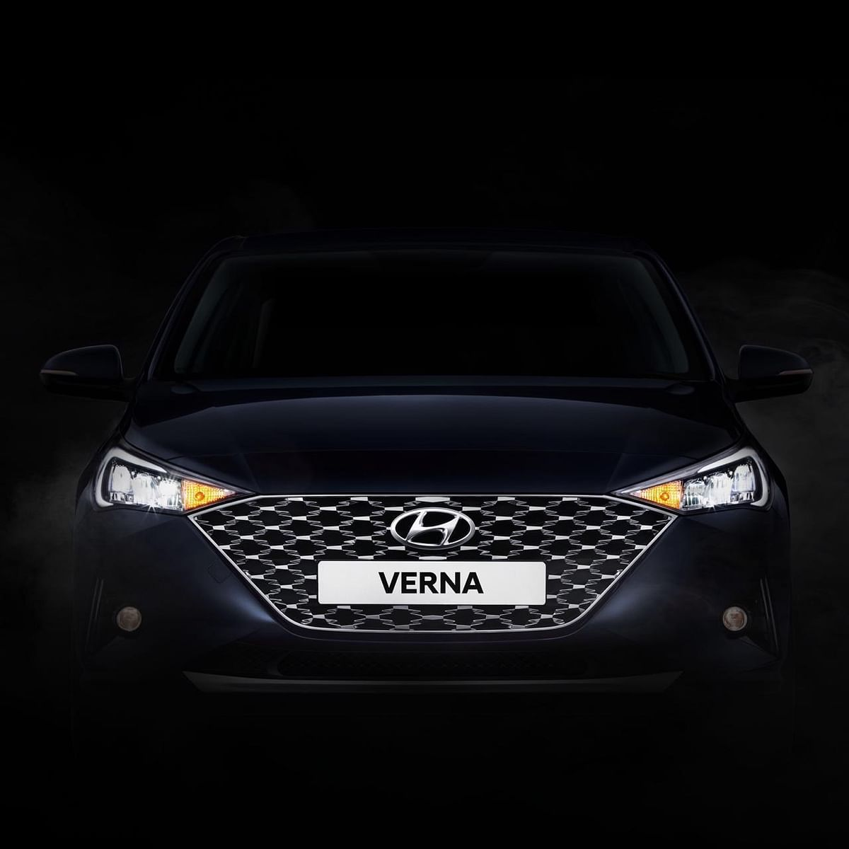 The 2020 Hyundai Verna will get full LED headlamps and a new grille.